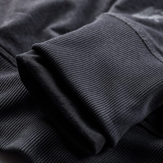 Close up of the ribbed elasticated cuffs with thumb hole grips on the Scruffs active hoodie