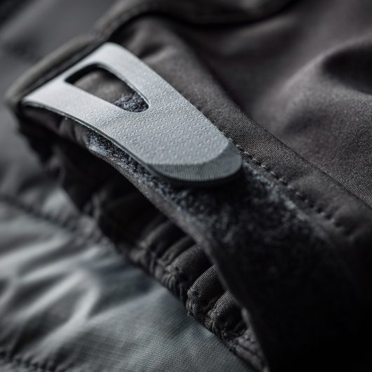 Close up of the black adjustable velcro cuff on the Scruffs expedition thermo softshell jacket