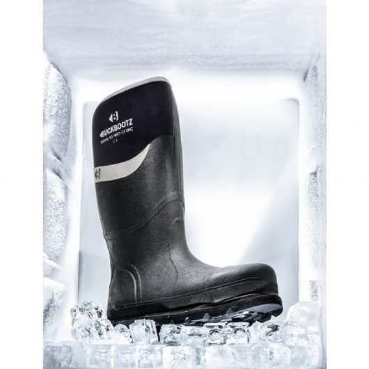 Black Buckler BBZ6000 Safety wellington boot with ice around it to show thermal qualities