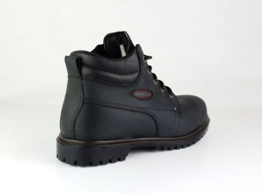 This image shows the Samson black Crewe safety boot with NITREK sole