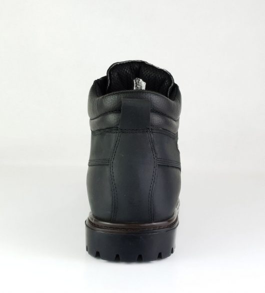 This image shows the Samson Crewe safety boot with padded collar